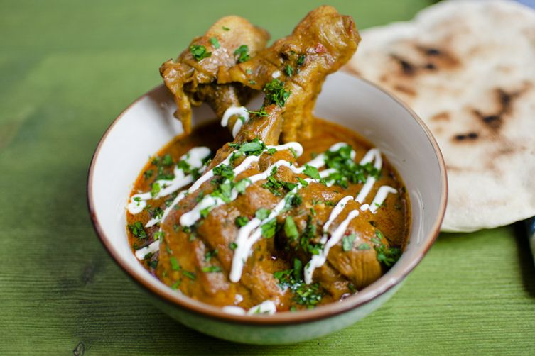 Chicken drumstick curry and homemadeflat-bread!