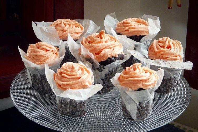 Chocolate Cupcakes with Rose VanillaButtercream 1