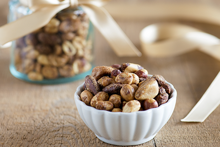 Holiday Spiced Nuts with MullingSpices 1