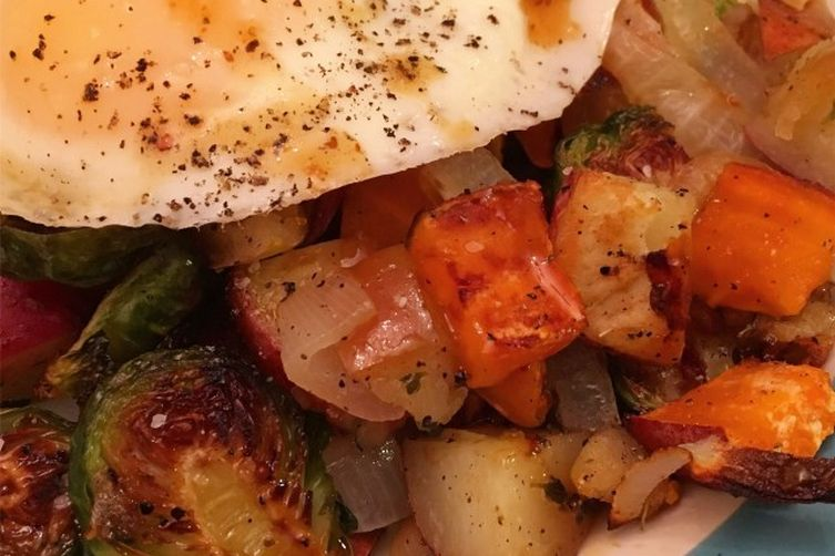 Roasted Vegetables With Maple-Mustard-SrirachaSauce 1