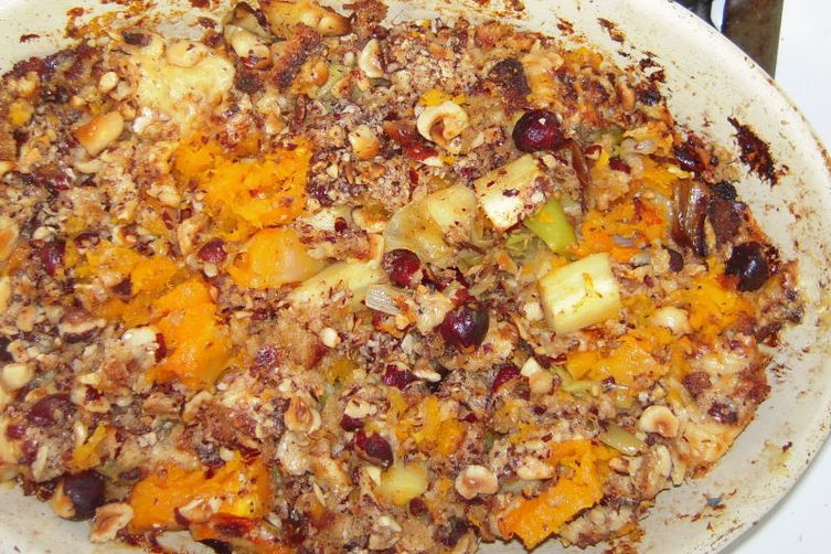 Butternut squash gratin with aged gouda and toasted hazelnut topping 1
