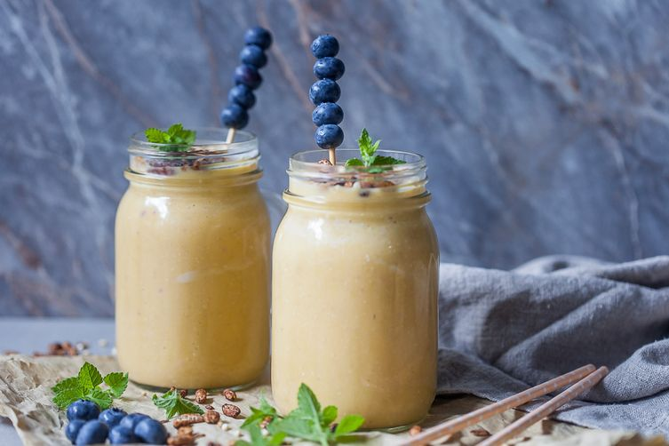 Breakfast Oats Peach Smoothie 1