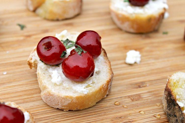 Cherry-RicottaBruschetta 1