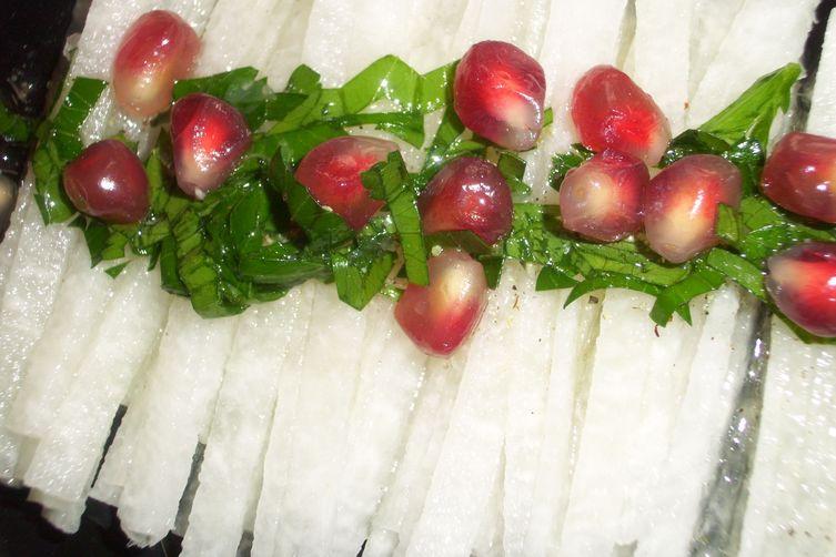 Jicama salad withpomegranate
