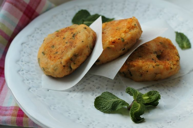 Two Potato Cutlets with Mint andCumin 1