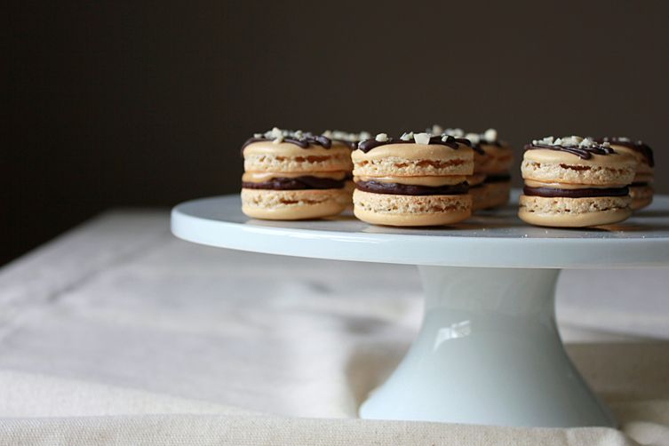 Chocolate and peanut buttermacarons 1