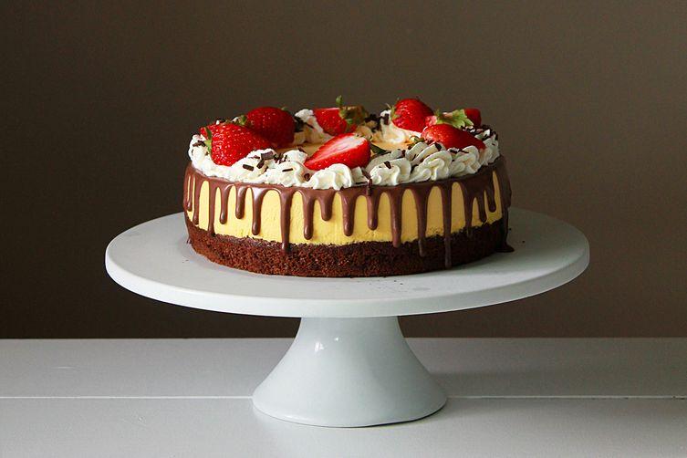 Mango mousse chocolatecake 1