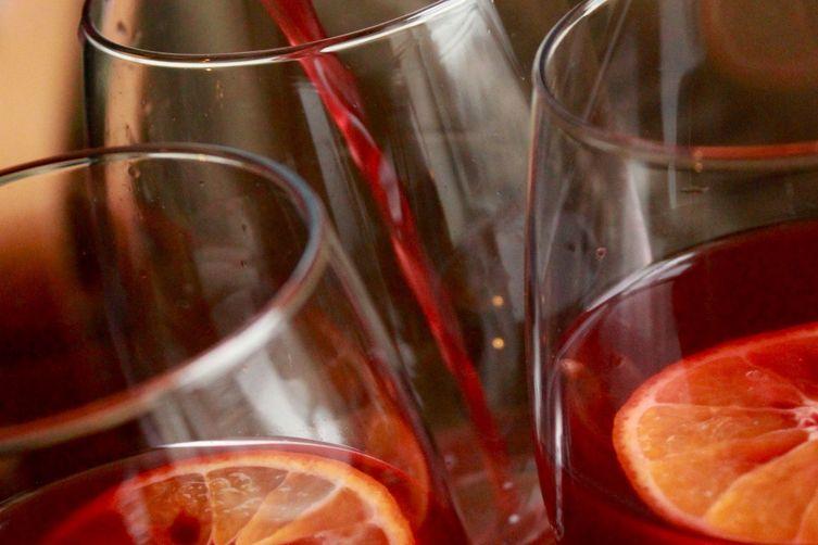 Sweet & Spicy Red Wine Sangria (aka sangria de nochebuena) 1
