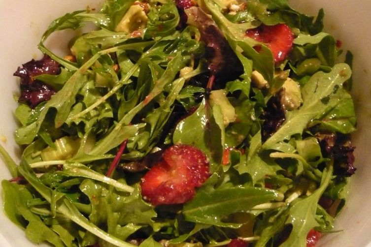 Spinach and Spring Mix, Strawberry, Avocado Salad with Honey Double LimeDressing 1