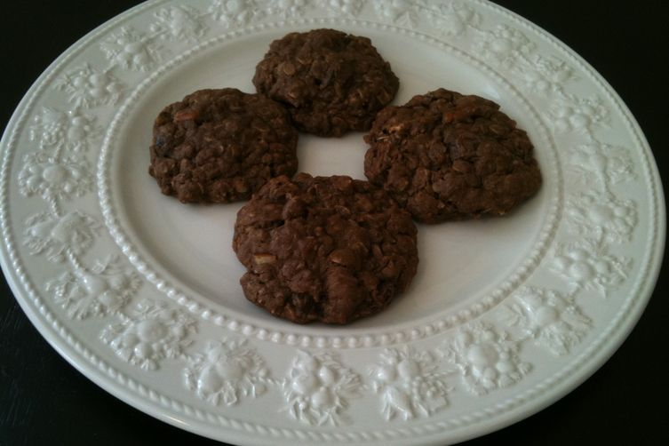 Cocoa, Pecan and Date OatmealCookies 1