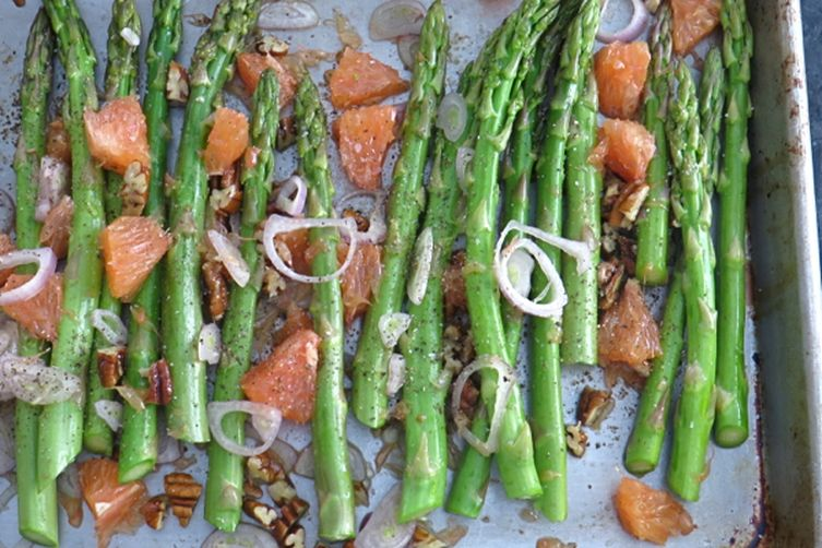 oven roasted asparagus with oranges and pecans