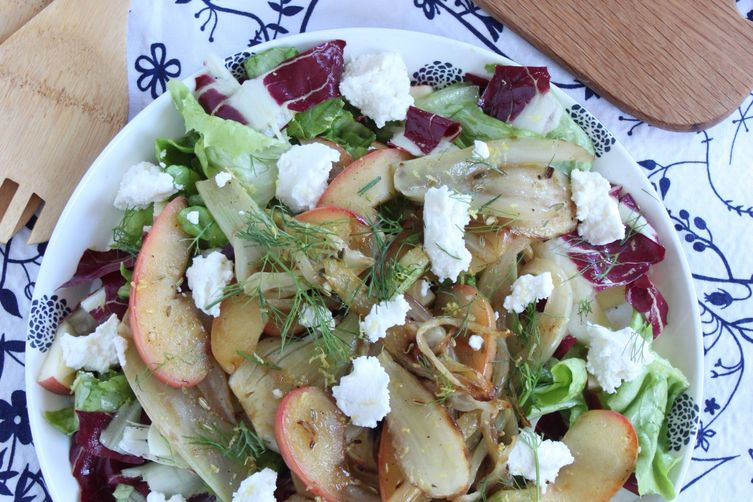 Salad with caramelized fennel andapples