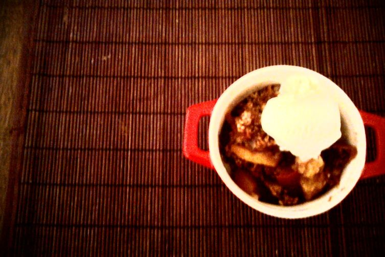 Knock-you-on-your-ass ---> peach-bourbon crumble :) 1