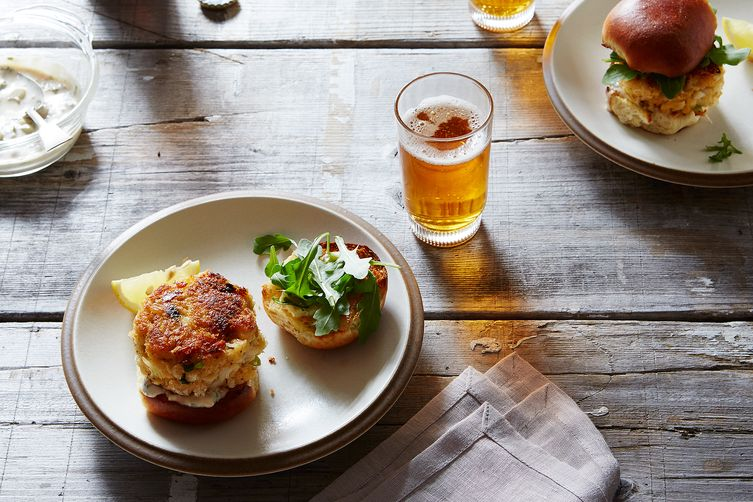 IPA Crab Cake Sliders with Remoulade 1