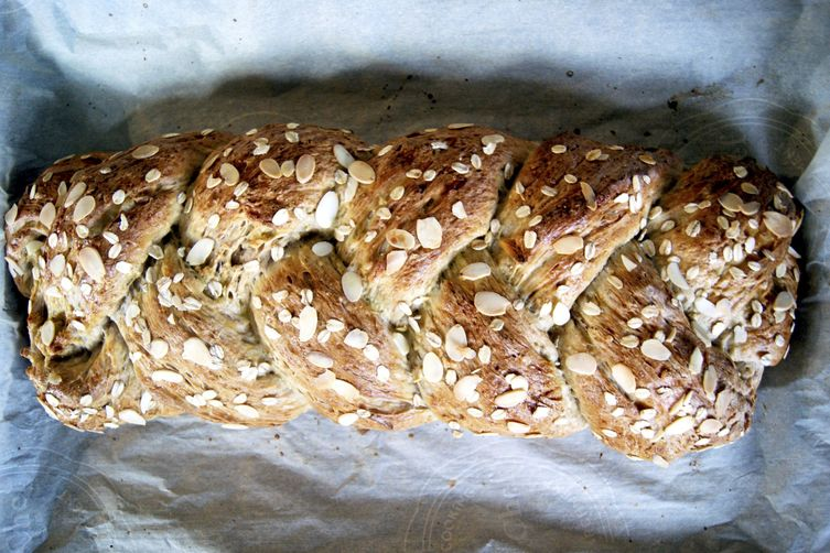 Pear and Almond SweetBread 1