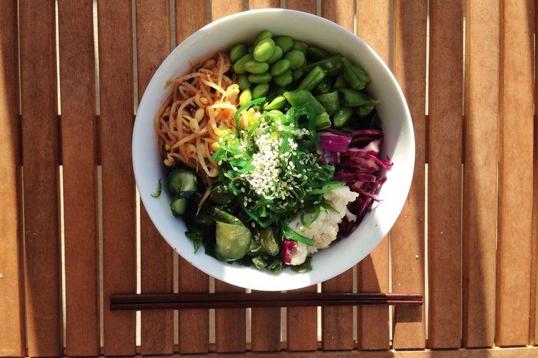 Kale and Quinoa Bibimbap Bowl(Vegan) 1