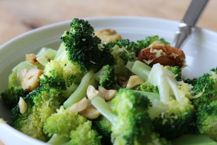 Simple Broccoli with Roasted Garlic, Toasted Hazelnuts, and Lemon 1