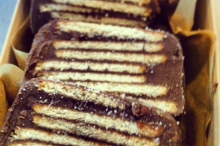 Cold Dog (No-bake Chocolate Cake forkids) 1