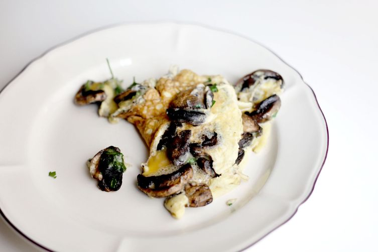 French omelette with parisianmushrooms