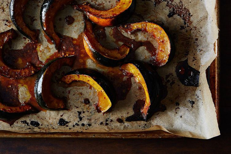 Roasted Acorn Squash with Maple and Red PepperFlakes