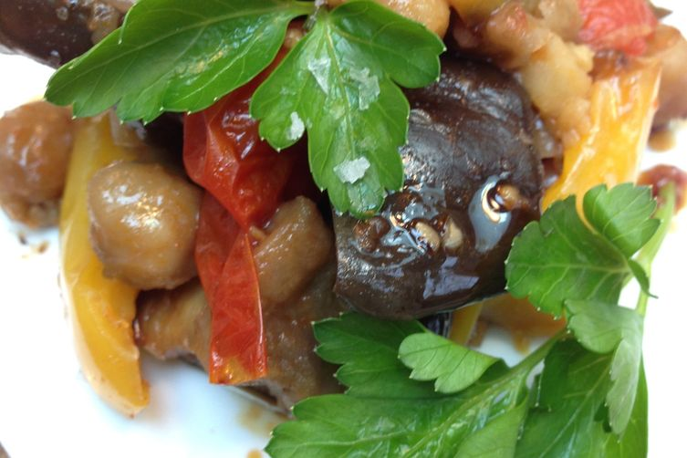 Roasted Mediterranean Vegetables with Chickpeas 1
