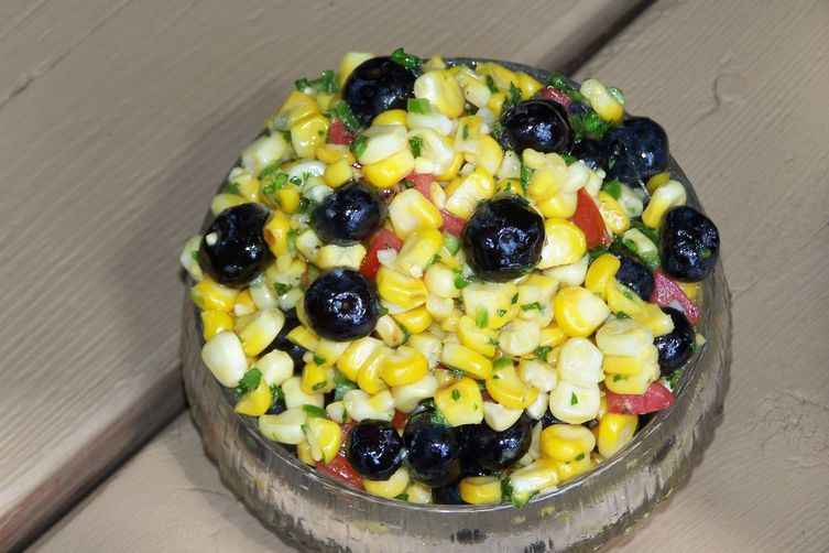Slightly Charred Spicey Corn with BlueberriesRelish 1
