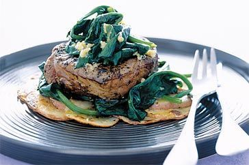 BBQ steak with spinach and garlic butter sauce 1