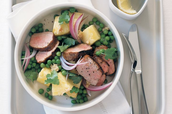 Barbecued pork with pineapple, peas and ginger 1