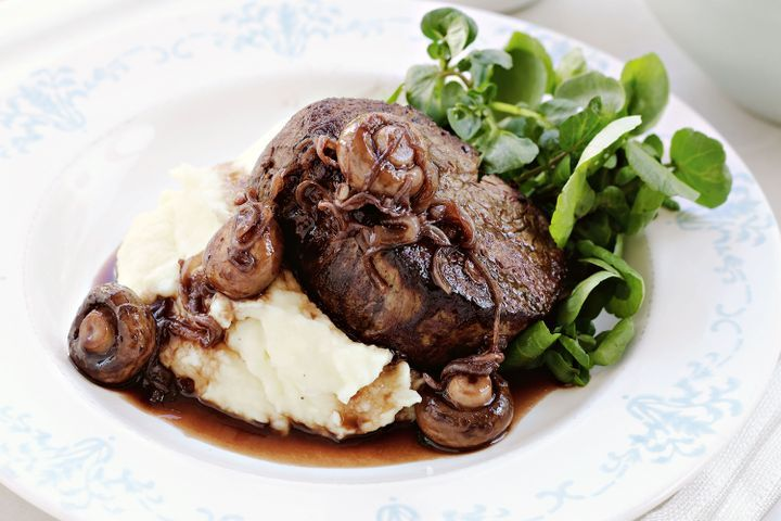 Beef fillet with quick red wine sauce 1