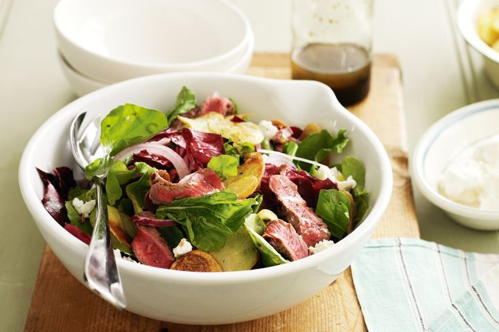 Beef, rocket and goats cheese salad 1