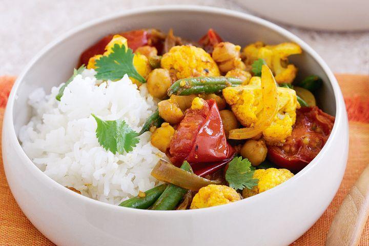 Cauliflower, chickpea, tomato and coriander curry 1
