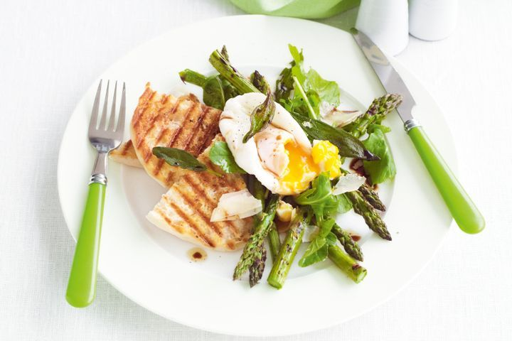 Chargrilled asparagus and parmesan salad with poached eggs and crisp sage 1