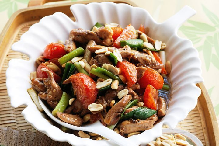 Chicken with tomato, five spice and peanuts 1