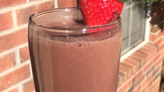 Chocolate Strawberry Sapodilla Smoothie 1