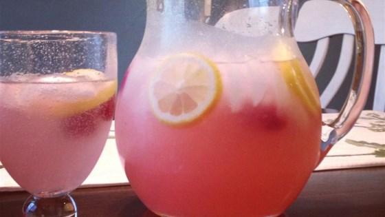 Easy Raspberry Lemonade 1