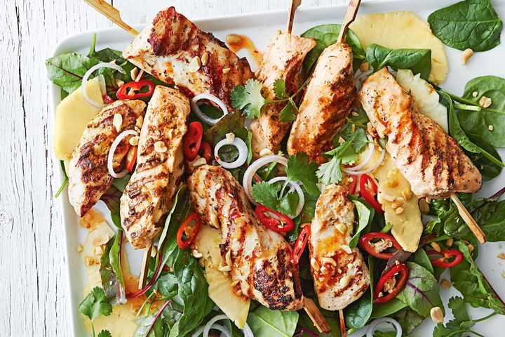 Easy chicken skewers with pineapple salad 1