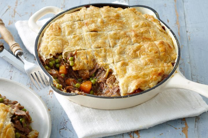 Family lamb shank and rosemary pie 1