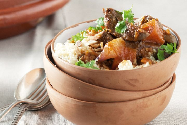 Fast-cooked lamb and date tagine 1