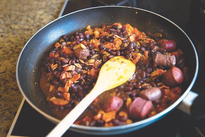 Feijao (Brazilian black bean stew) 1