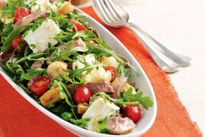 Goat's cheese and beef salad 1