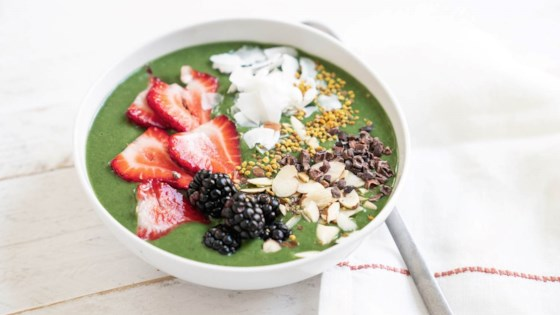 Green Glow Smoothie Bowl