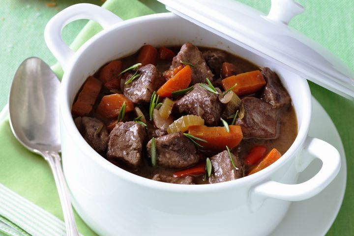 Lamb, red wine and rosemary casserole 1