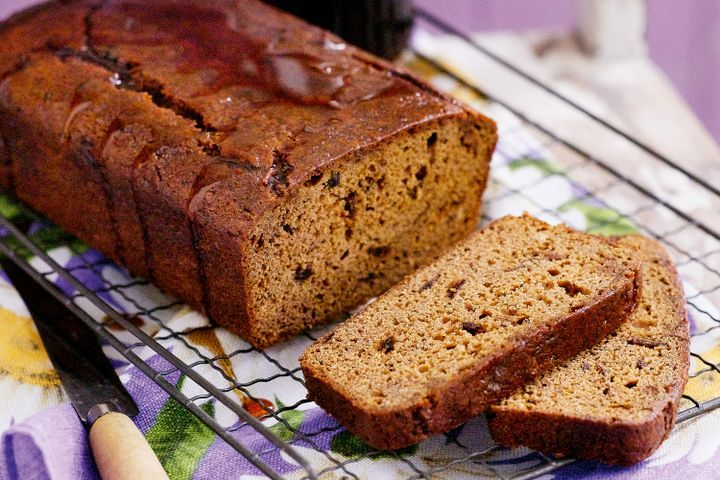 Maple date loaf 1