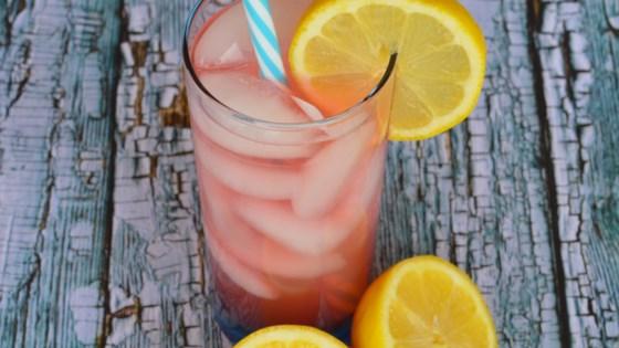 Old-Fashioned Pink Lemonade 1