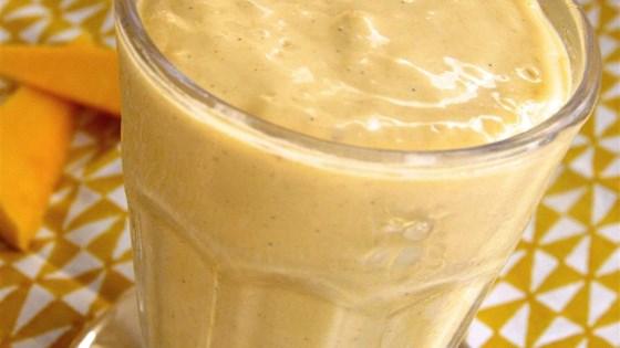 Peanut Butter Mango Smoothie 1