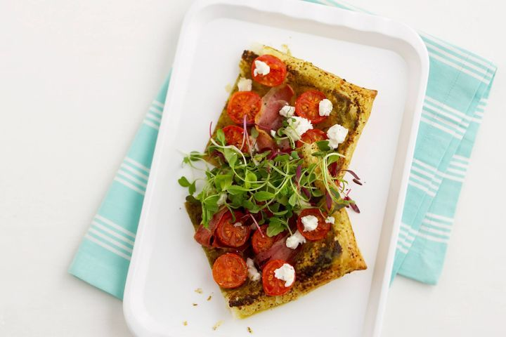 Prosciutto, tomato and pesto tart 1