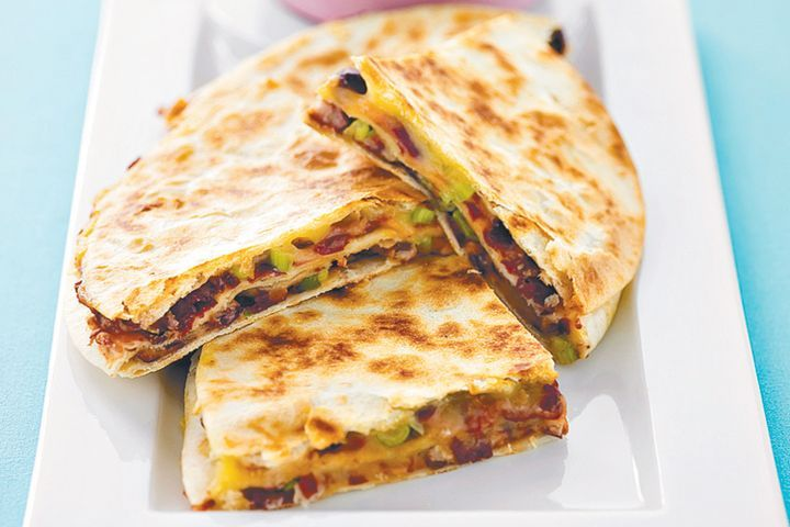 Quesadilla with beans and cheese 1