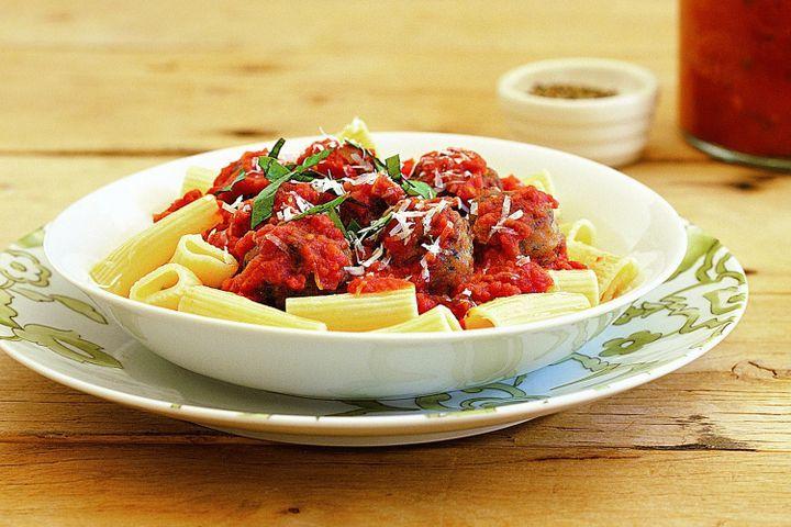 Quick pasta and meatballs 1