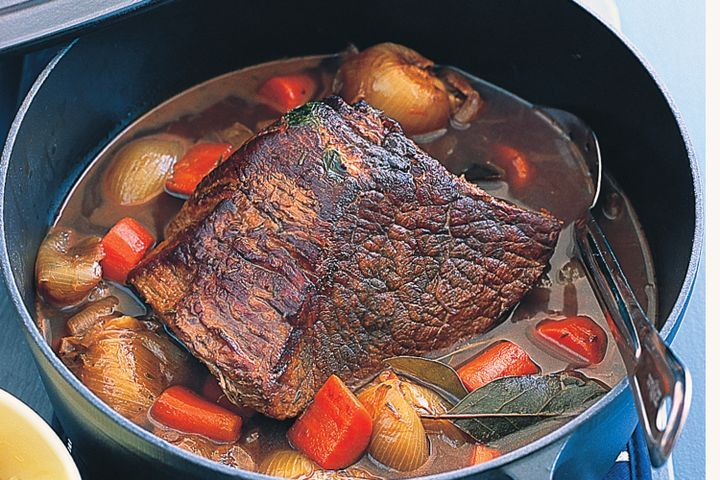 Red-wine braised beef with baby onions & carrots 1