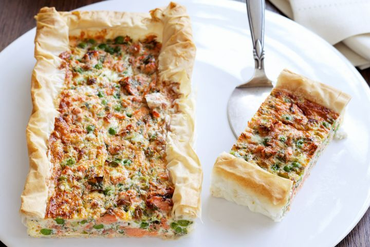 Reduced-fat salmon and pea quiche 1
